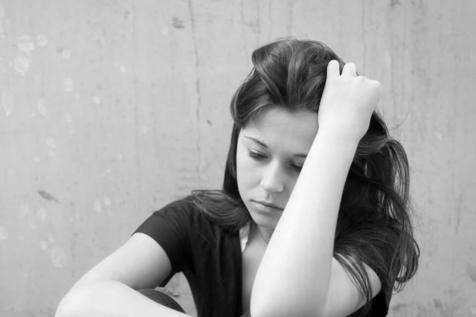 Depresión mayor: qué es, causas, síntomas y tratamiento en la Clínica Persum de Oviedo.