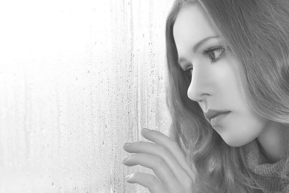 Qué es el sentimiento de vacío y su relación con los trastornos de la personalidad, conducta alimentaria, adicción, depresión y psicosis. Tratamiento en la Clínica Persum de Oviedo.