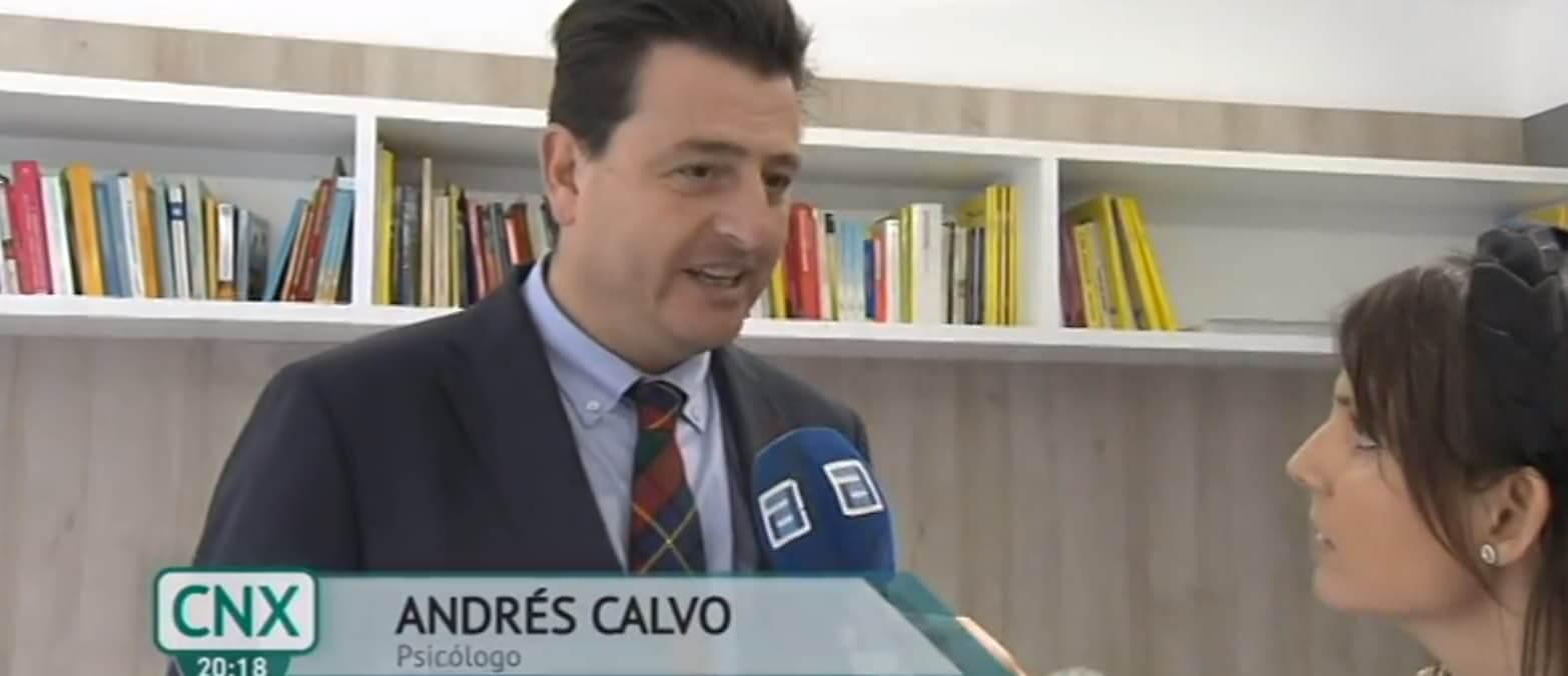 Entrevista sobre el miedo al coronavirus en el programa Conexión Asturias. Andrés Calvo, director de la Clínica Persum, es entrevistado.